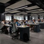 Difference hotdesking open plan abw